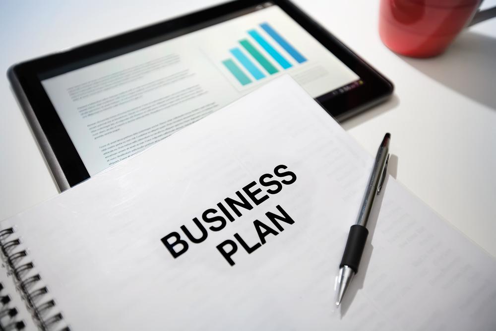 Business_Plan_Marlon_Lopez_MMG1_Design_1